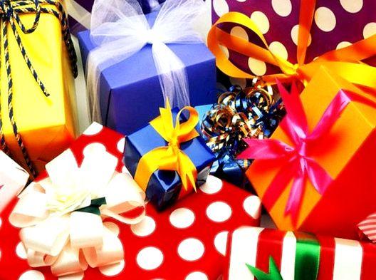 Що подарувати на день народження?