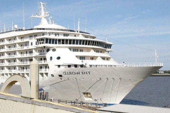 Існує пасажирський корабель-житловий комплекс