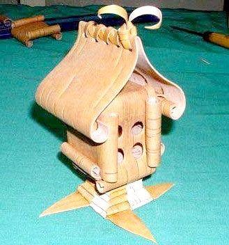 Чергова саморобка з берести - хатинка на курьей ніжці