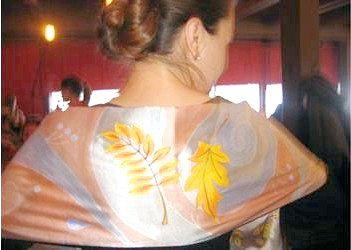 Розпис по тканині акриловими фарбами - вчимося розписувати шарфик