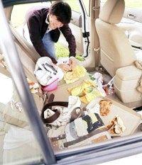 Як позбутися запаху в автомобілі