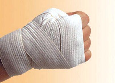 Як зав'язувати боксерські бинти?