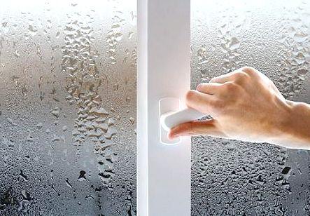 Чому потіють пластикові вікна?