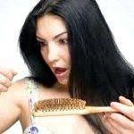 Чому випадає волосся після пологів?